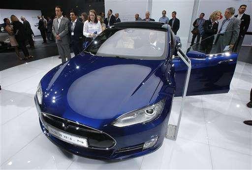 Fatal Telsa crash shows limits of self-driving technology