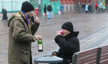 For men, heavy drinking can get you killed