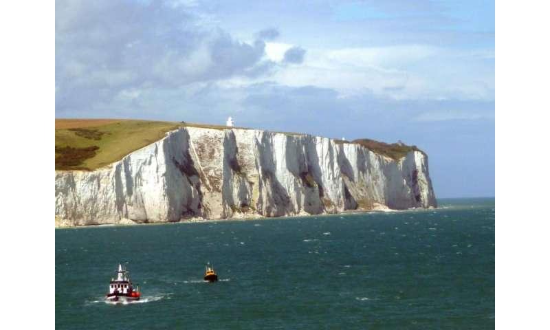 Giant algal bloom sheds light on formation of White Cliffs of Dover