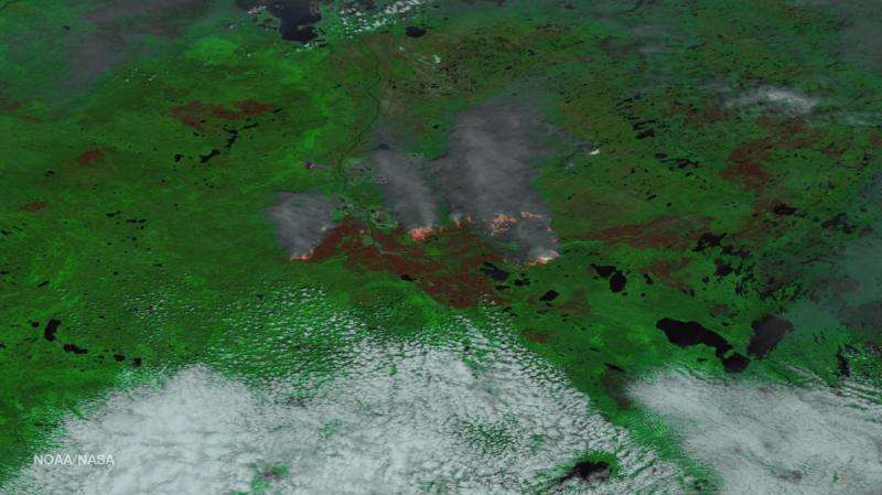 Image: Clear skies give way to Fort McMurray blaze