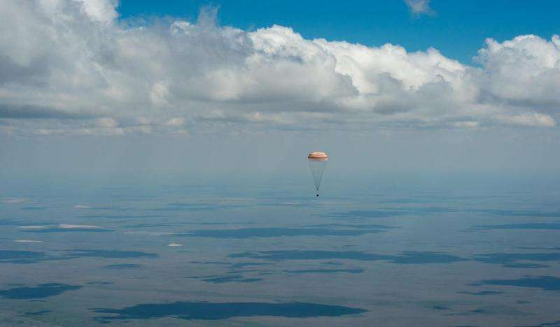 Image: Expedition 47 soyuz landing