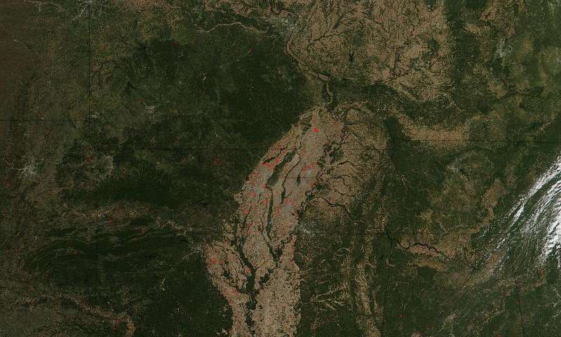 Image: Fires overtake landscape in the Mississippi Valley