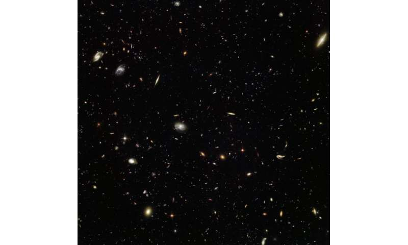 Image: Hubble gets in on a galactic gathering