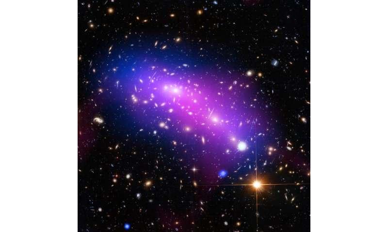 Image: Hubble looks into a cosmic kaleidoscope