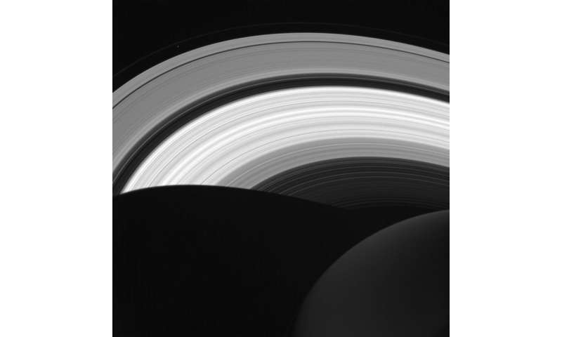 Image: In daylight on Saturn's night side
