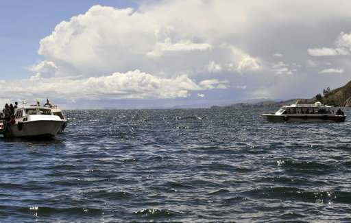 Lake Titicaca, which is the highest in the world, at an altitude of 3,800 meters (12,470 feet) above sea level, provides a habit