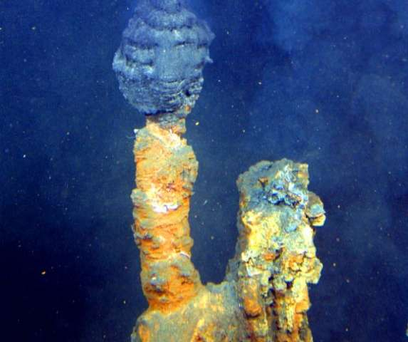 Life's building blocks form in replicated deep sea vents
