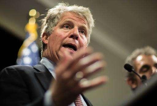 Manhattan DA, law officials push for encryption legislation