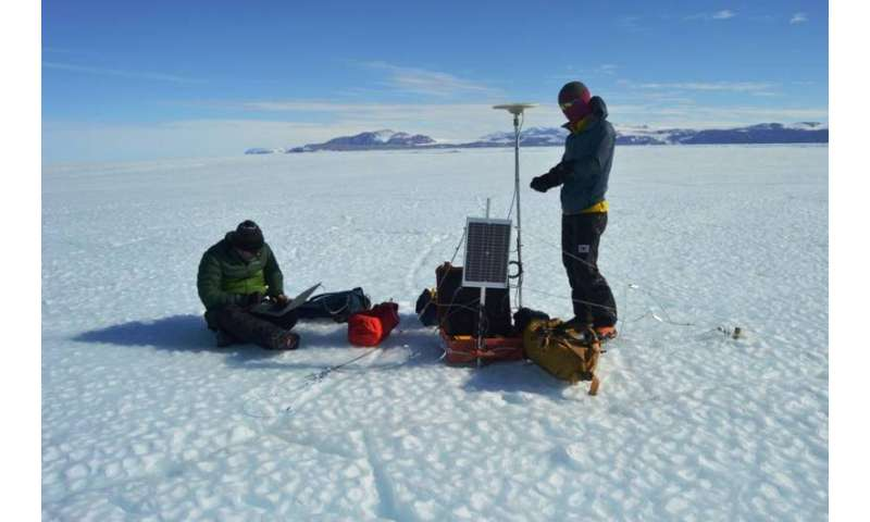 NASA tracking the influence of tides on ice shelves in Antarctica