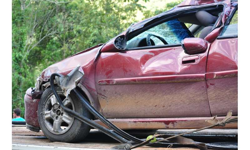 Opioids, NSAIDs no different overall for persistent pain after vehicle crashes