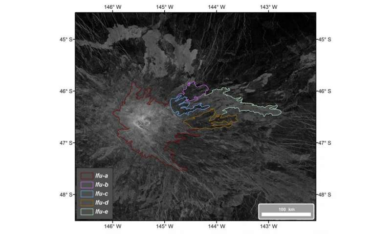 Recently active lava flows on the eastern flank of Idunn Mons on Venus