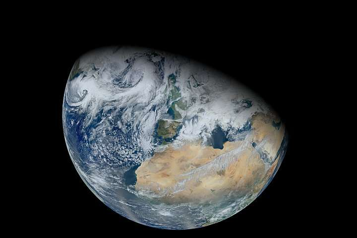 Reflections on the habitability of Earth