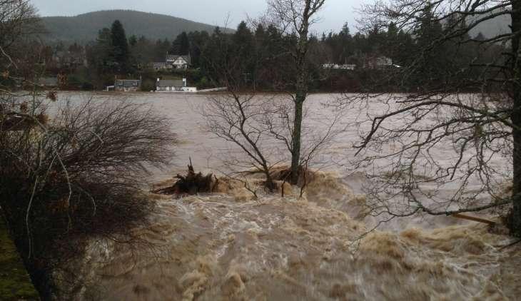 Scientists bid to crowdsource information in Dee flooding investigation