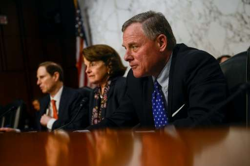 Senators Richard Burr (R) and Dianne Feinstein (C) of the Senate Intelligence Committee, pictured on February 9, 2016, unveiled
