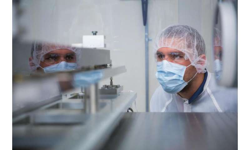 Slac Receives New Mirrors For X Ray Laser