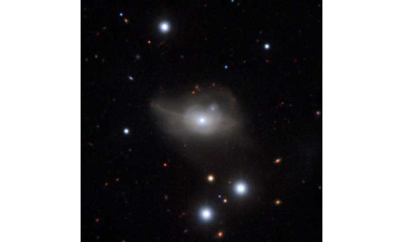 Starving black hole returns brilliant galaxy to the shadows