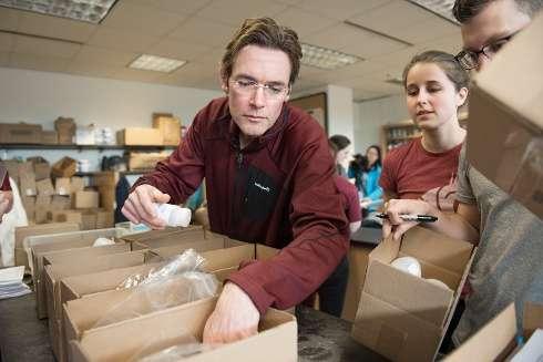 Study team assembles water-testing kits bound for Flint, Michigan