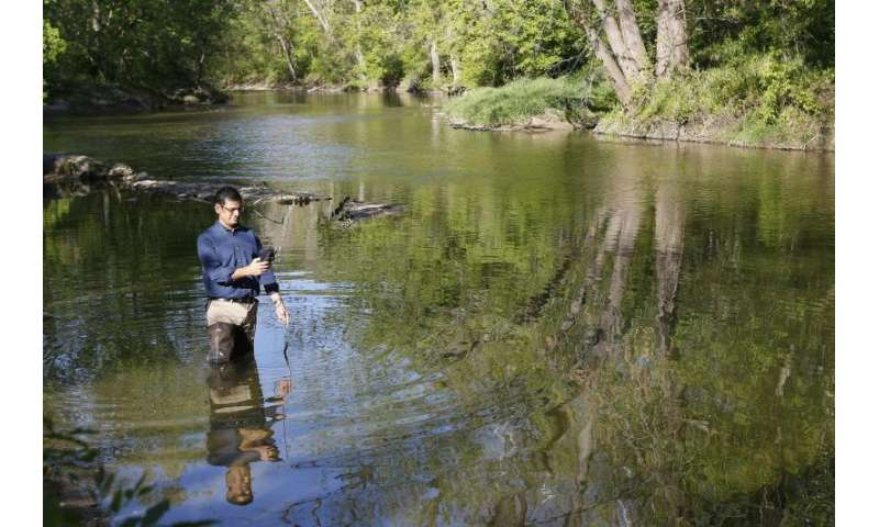 Tapping citizen scientists to test water quality can yield valuable data