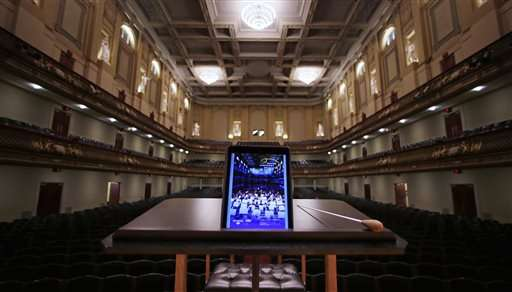 Tech at the symphony: Boston orchestra loaning patrons iPads