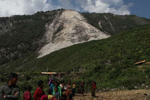 Thousands of landslides in Nepal earthquake raise parallels for Pacific Northwest