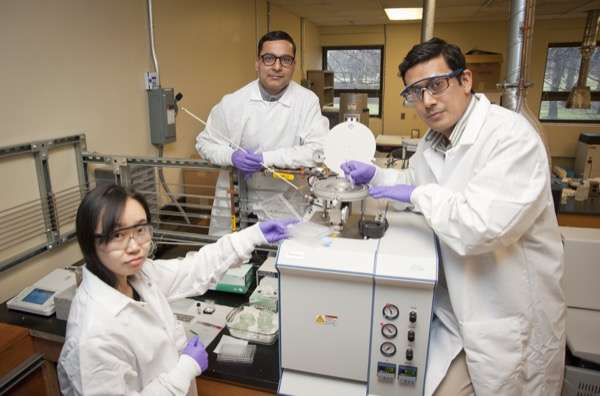 UD researchers examine ways to break down, track synthetic compound in herbicides