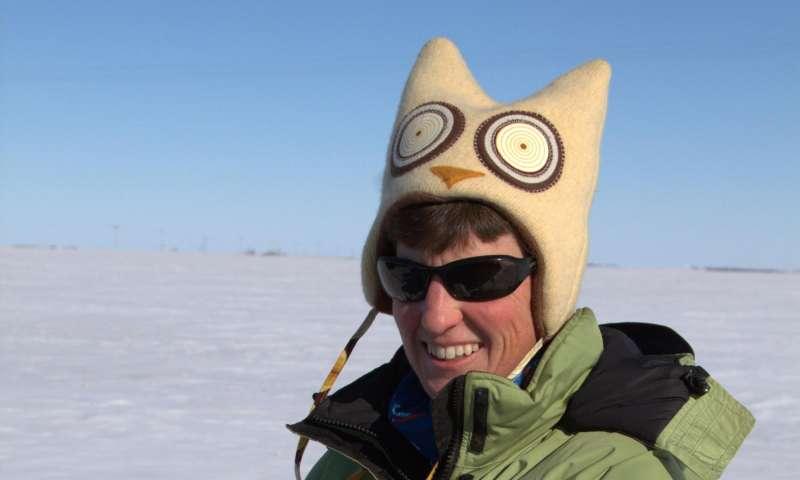 Which snowy owls thrive in Saskatchewan's winters