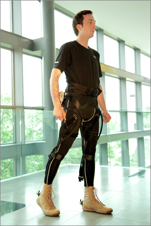 Wyss Institute collaborates with ReWalk Robotics to develop wearable exosuits for patients with limited mobility