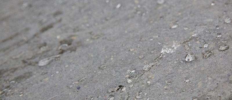 Creating waterproof concrete