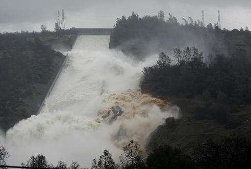 Emergency spillway use likely at Oroville Dam in California