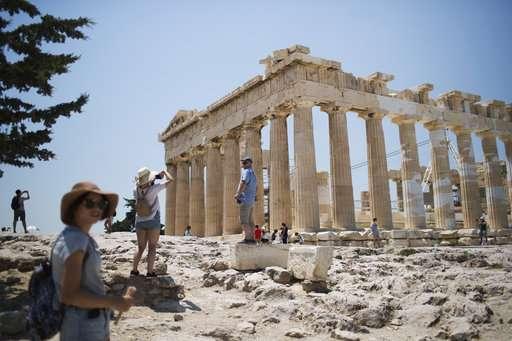 Greece: Heatwave closes Acropolis, ancient sites