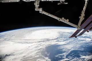 SpaceX Dragon to deliver research to Space Station