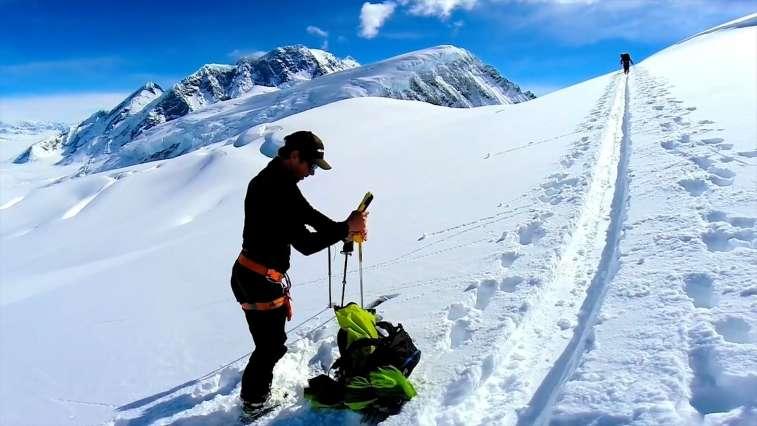 Using sensors and social networks to make slopes safer