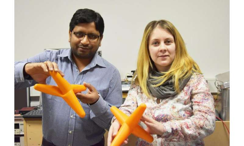**Research team bends individual tetrapod nanostructures