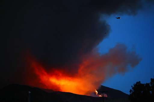 Wildfire destroys mobile homes in California retirement park