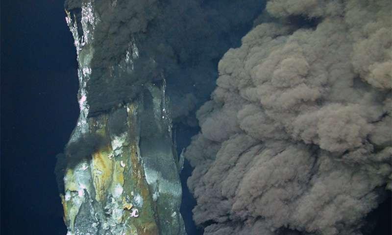 Scientists discover hydrothermal vents on deep ocean voyage