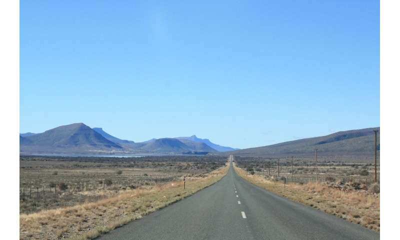 Ancient, lost, mountains in the Karoo reveals the secrets of massive extinction event