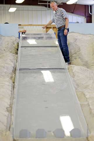 Engineers use replica to pinpoint California dam repairs