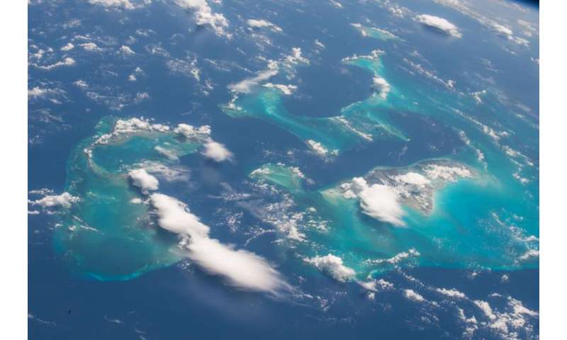 Image: Space station flight over the Bahamas