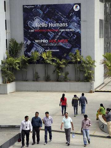 India IT stocks slip amid worries about stricter H-1B visas