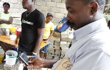 Mobile phones improve outcomes for HIV-positive people across the globe