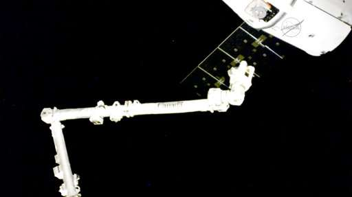 SpaceX Dragon delivers scientific bounty to space station