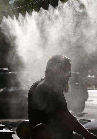 Heat wave creates health hazard in southwestern US
