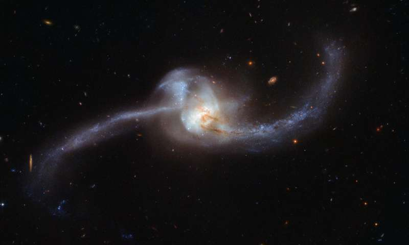 Image: Hubble captures collision of two galaxies