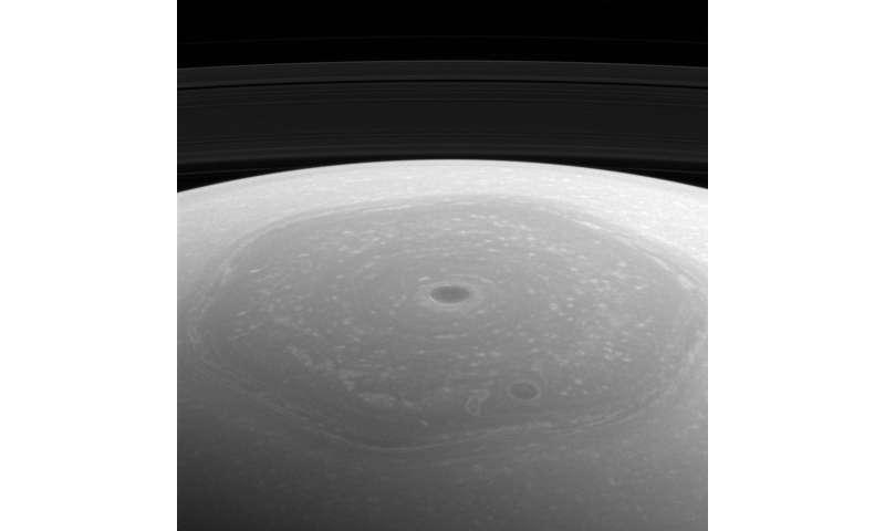 Image: Saturn's north pole