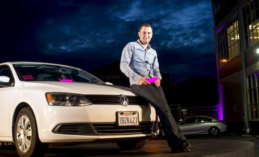 Lyft seizes opportunity as Uber tries to outrun troubles