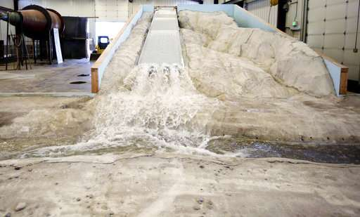 Engineers use replica to pinpoint California dam repairs