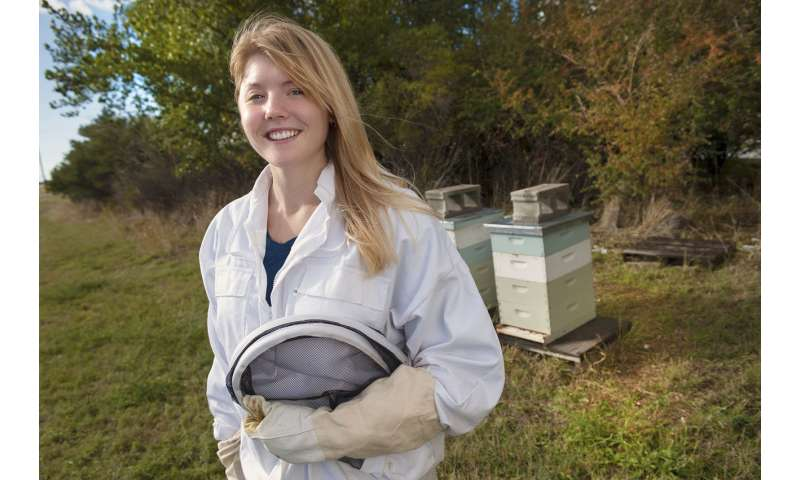 Researcher reports key components of honey bee antiviral defense