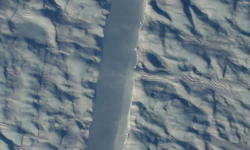 NASA snaps picture of new crack in Greenland ice shelf