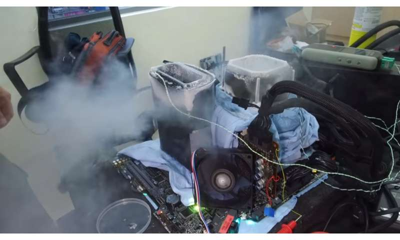 Overclocker uses liquid nitrogen in Intel i9-7980XE push to 6.1 GHz