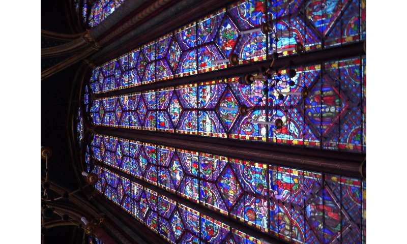 Researcher uses Westminster Abbey windows to shine light on glass myth